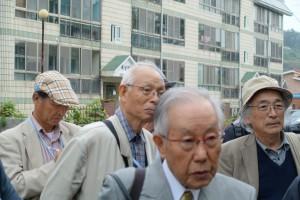 井上勝生さん(右端)、中塚明さん(中央)